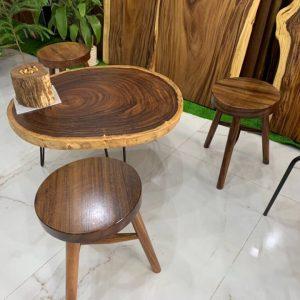 Bàn sofa gỗ me tây nguyên khối Rộng 700 Dài 740 Dày 50 Cao 350 (mm)