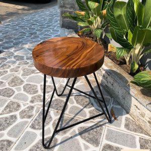 Ghế gỗ me tây đường kính 32 cao 40cm dày 5cm luôn chân hairpan